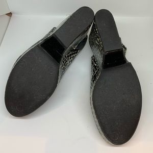 Robert Clergerie Shoes - ROBERT CLERGERIE peeptoe platform slingbacks! 39